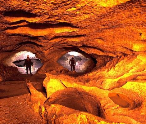 Randonnée dans la grotte de Hölloch