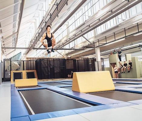 Salle de trampoline Zug Jump