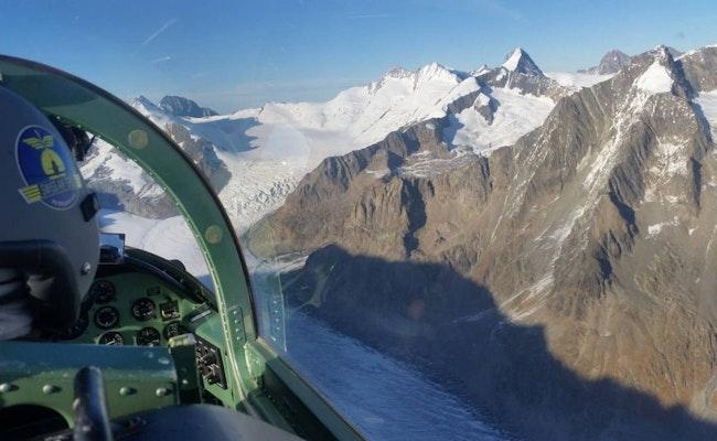 Fliege über die Alpen - Checke in eine Pilatus PC 7 ein