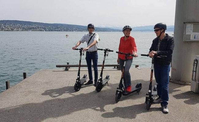 E-Scooter ab Zürich | Eine geführte Tour durch Zürichs Innenstadt