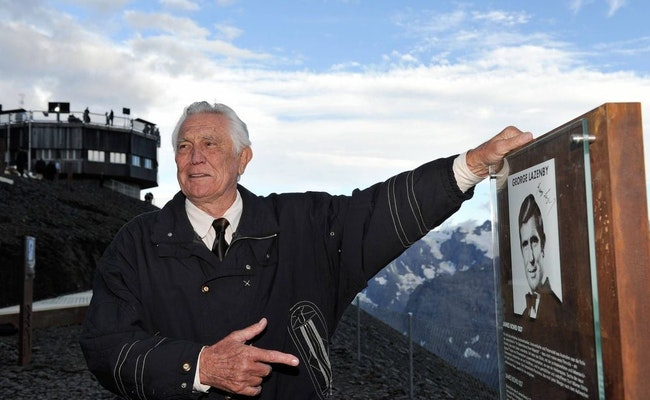 Stechelberg - Schilthorn retour   James Bond Package