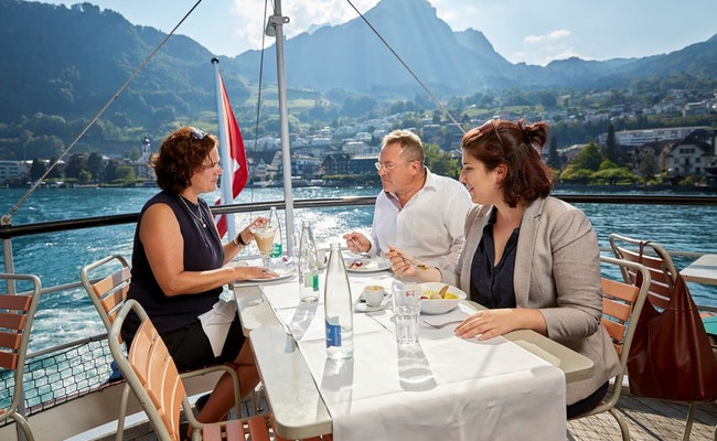 Gourmet-Lunch auf dem Vierwaldstättersee | Mittagsschiff ab Luzern