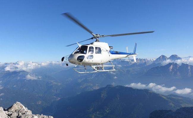 Helikopter-Rundflug zum Matterhorn   75-minütiger Flug ab Bern-Belp