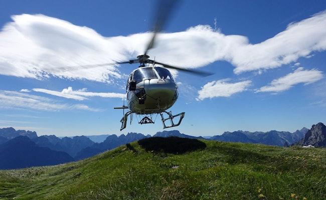 Helikopter-Rundflug ab Bern-Belp   Den Thunersee von oben sehen