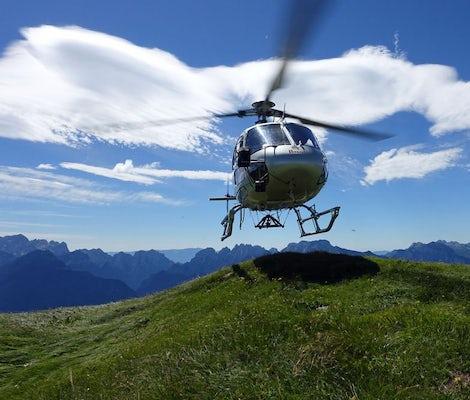 Helicopter sightseeing flight Lake Thun