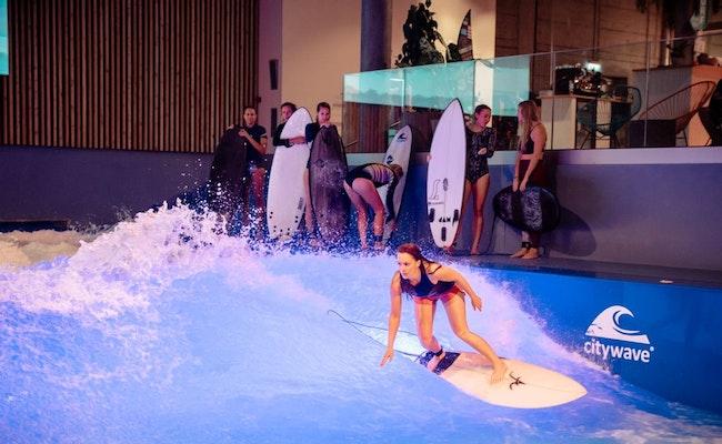 Indoor Surfkurs Intense Advanced | Lektion in Kleingruppen Ebikon